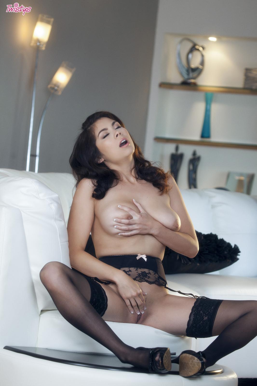 mai-ly-hardcore-sex